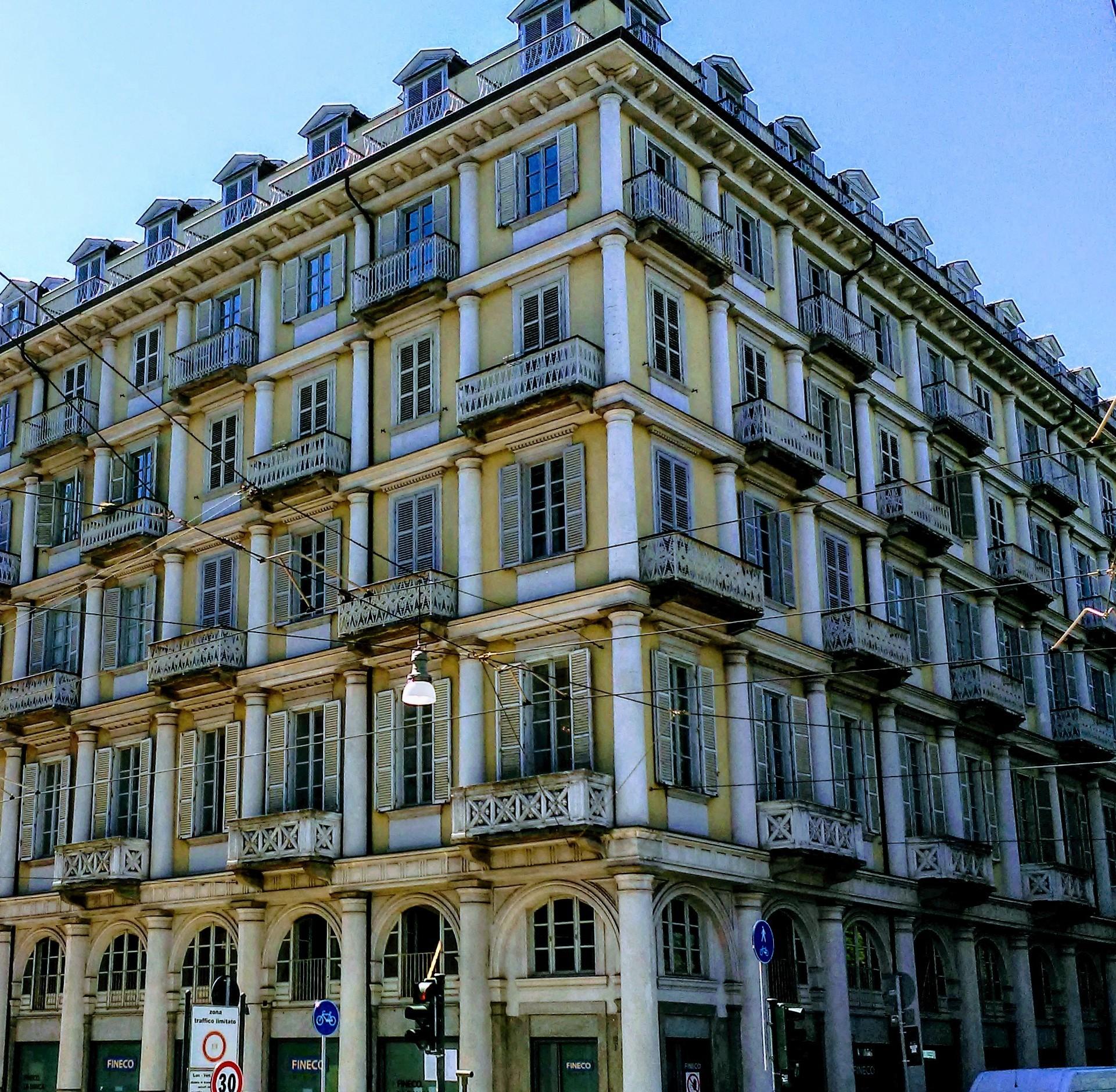 La casa delle colonne in corso Matteotti: un gioiello di cui ci parla la nostra House Hunter Laura Polesinanti