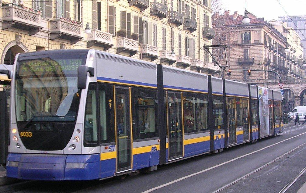 Photo of Gtt, a Torino più corsie riservate ai tram: spazio in meno per le auto private