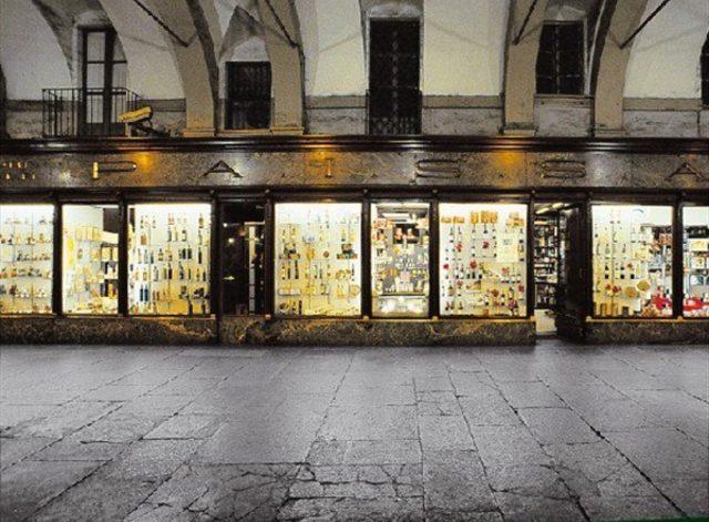 Il nuovo negozio Biraghi a Torino è stato inaugurato: grandi novità in piazza San Carlo