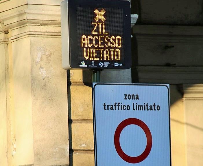 Photo of Arriva la Ztl al Valentino, via 60 parcheggi: telecamere 24 ore su 24