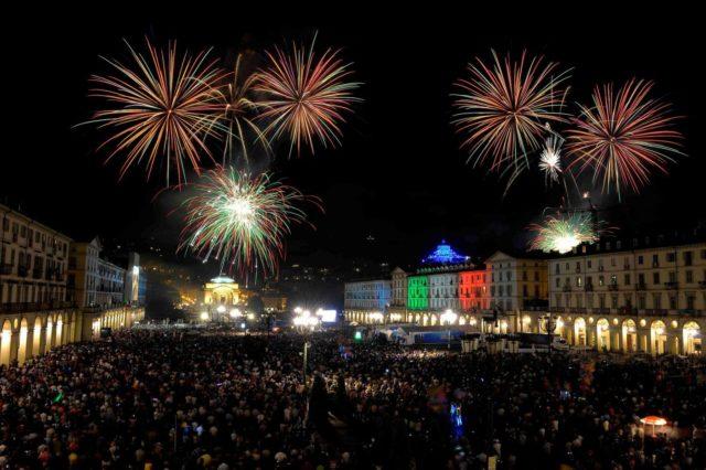 Festa di San Giovanni 2020, a Torino tornano i fuochi d'artificio: inversione di rotta in città