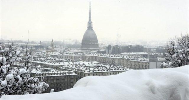 Meteo, a Torino arriva la neve: scatta l'allerta tra domani e venerdì