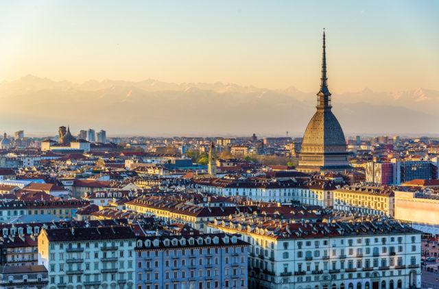 Meteo a Torino, oggi in città si rivede il sole: dopo giorni sotto la pioggia, torna il bel tempo