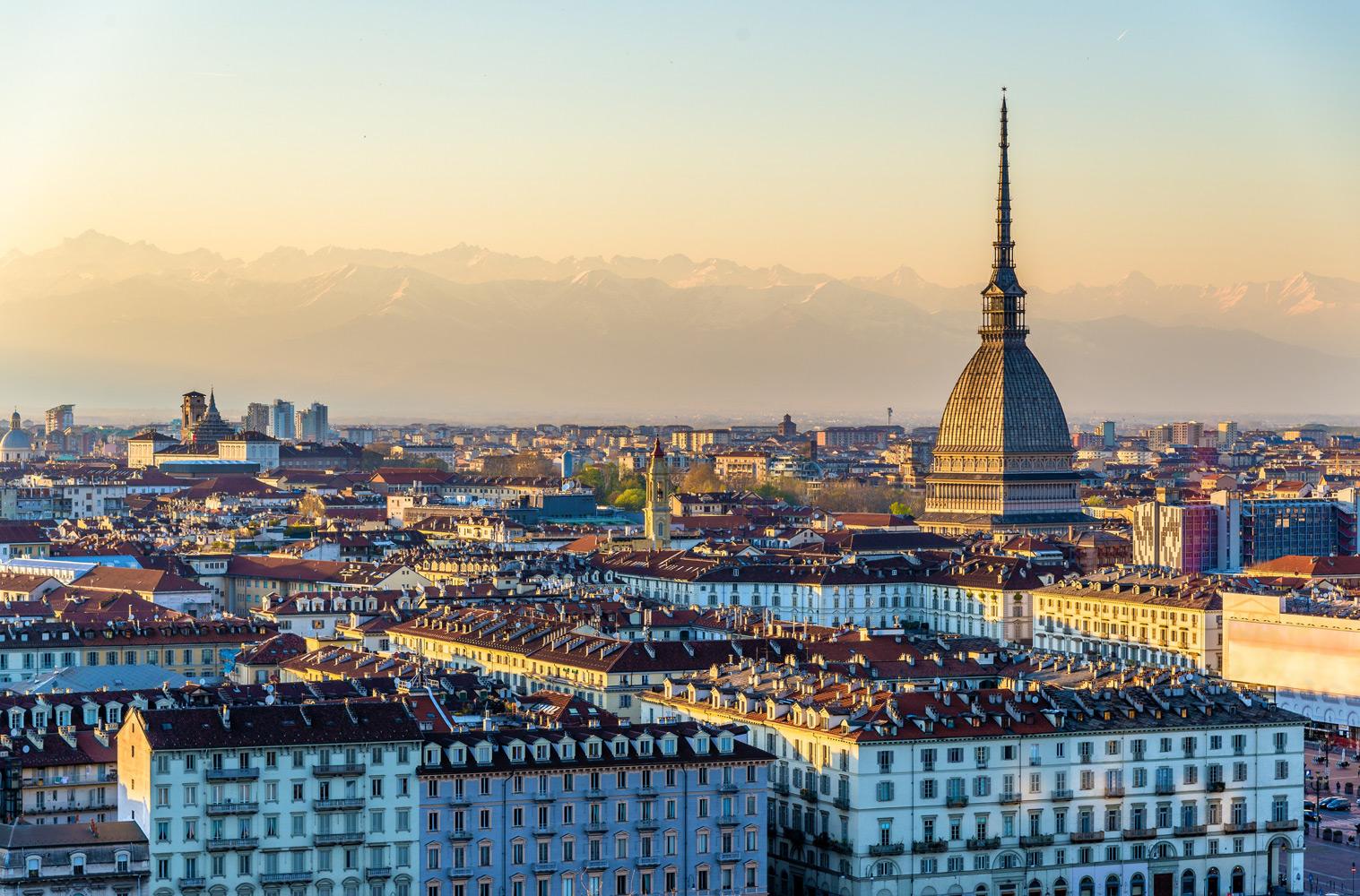 Photo of Meteo a Torino, oggi in città si rivede il sole: dopo giorni sotto la pioggia, torna il bel tempo