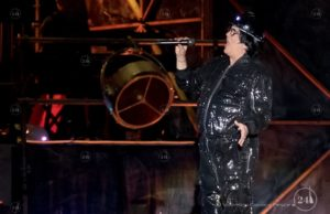 Renato Zero a Torino, il cantautore romano in concerto al PalaAlpitour