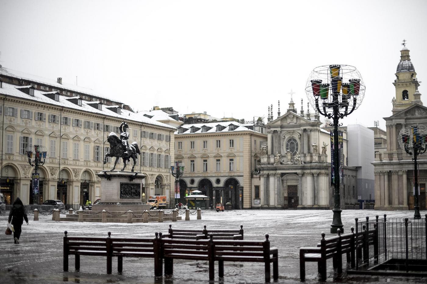 Photo of Meteo, a Torino arriva la neve: altre nevicate fino alla Vigilia di Natale