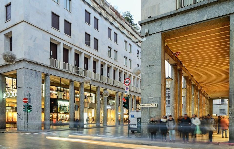 Photo of Torino, Louis Vuitton raddoppia il negozio di Via Roma