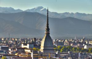 Meteo, a Torino l'inverno si fa ancora attendere: weekend con sole e temperature miti