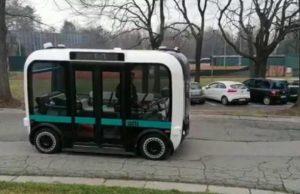 Presentato a Torino il bus a guida autonoma: è il primo in Italia, sarà sperimentato in città