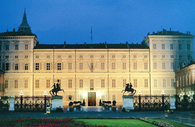 Photo of Musei pieni a Torino grazie ad Alberto Angela e all'ingresso gratuito: boom di inizio anno per Palazzo Reale