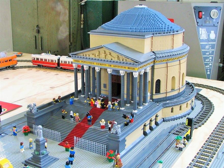 """Photo of Due giorni dedicati ai Lego al Grugliasco Fest """"Mattoncini in Festa"""" questo weekend"""