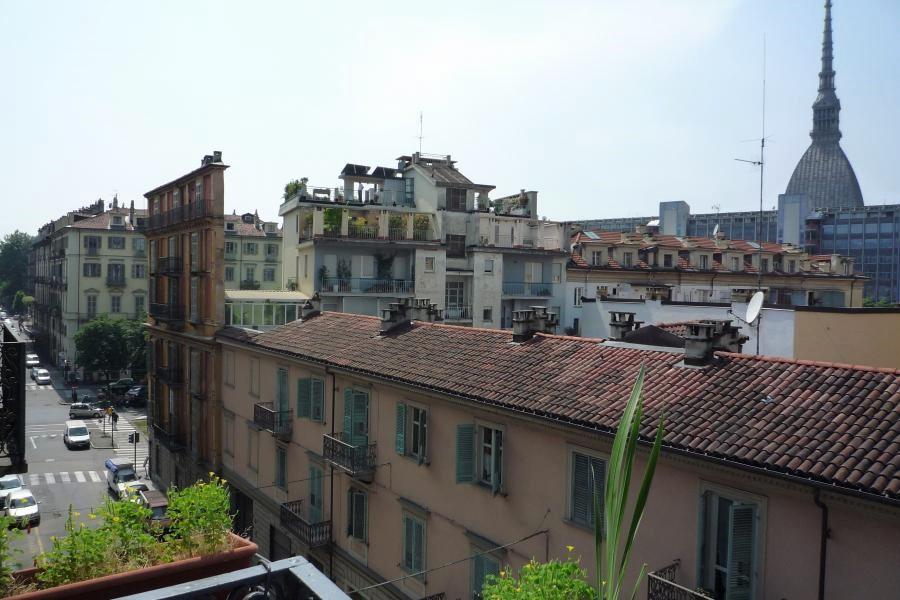 Photo of Vanchiglia, gli edifici liberty che si nascondono nel quartiere della movida di Torino