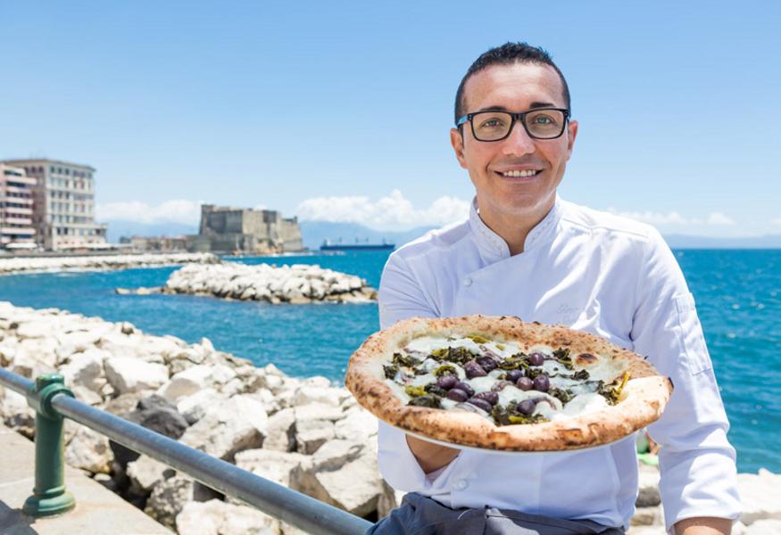 Photo of Gino Sorbillo apre a Torino: la famosa pizzeria napoletana sbarca in città