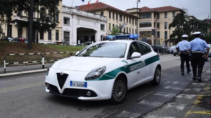 Automobile bianca vigili urbani di Torino