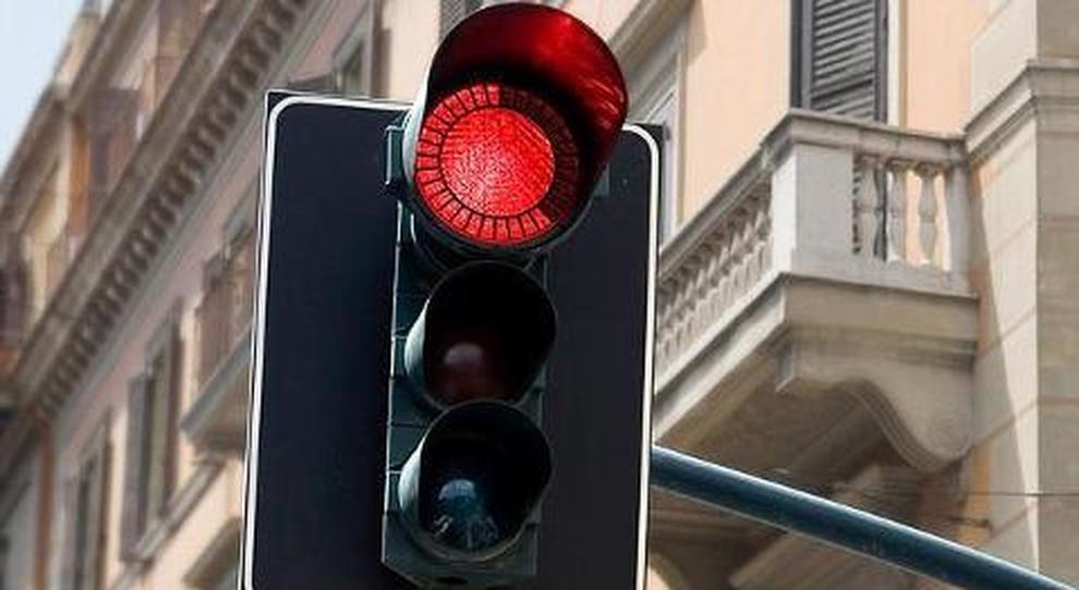 semaforto luce rossa