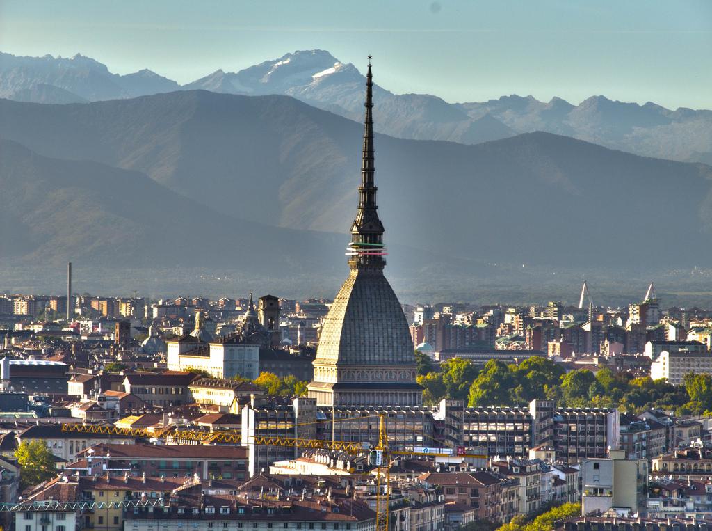 Torino vista dall'alto di giorno, Mole Antonelliana,
