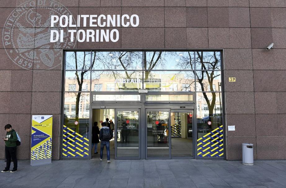 Photo of Tre casi di Coronavirus al Politecnico di Torino, la situazione