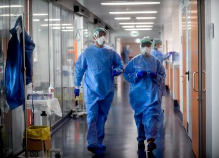 Photo of Il virus che colpisce le corsie: in Piemonte 200 medici e operatori sanitari contagiati, 5 le vittime