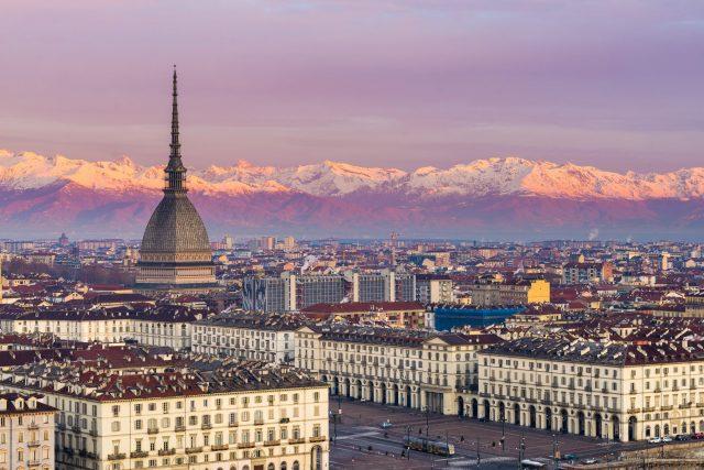 Meteo a Torino Mole Antonelliana al tramonto