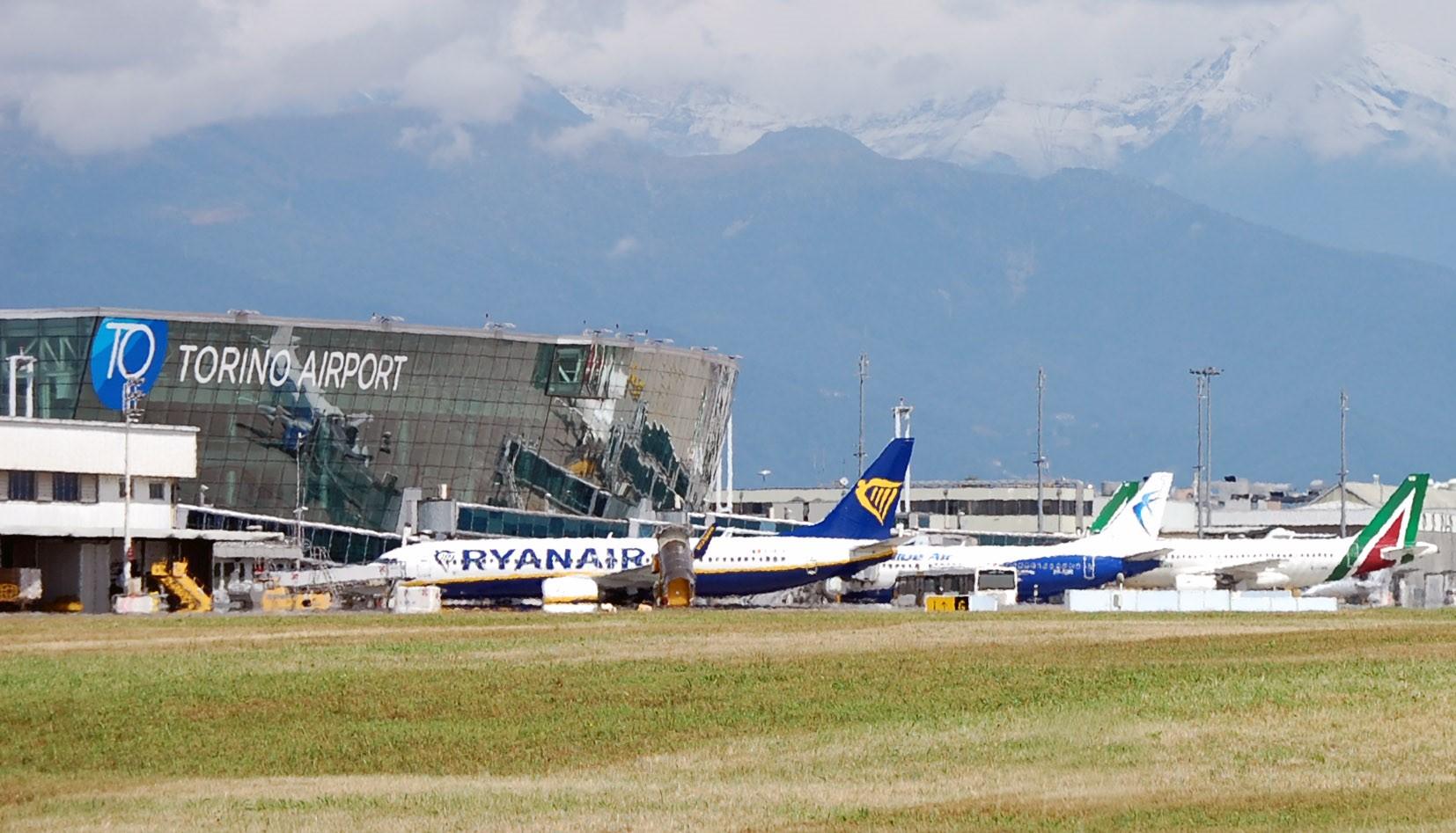 Photo of Voli cancellati da Torino Caselle per Coronavirus, anche Blue Air e Ryanair tagliano