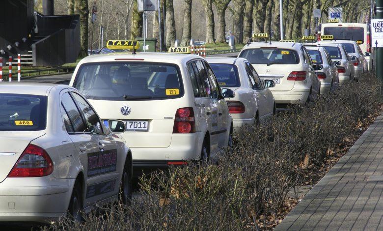 coronavirue e taxi: in crisi economica e pericolo di salute