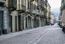 Photo of Torino, in centro negozi in (s)vendita, esercenti in crisi chiudono o si spostano in periferia
