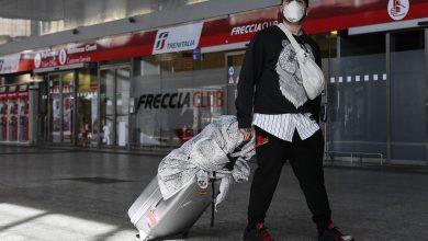 Photo of Lunedì il grande esodo: si prevede un nuovo assalto ai treni, è corsa ai biglietti