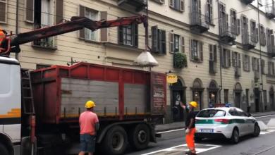 Photo of Panettoni anti-sosta in centro a Torino, ma è delirio tra tram, auto e commercianti furiosi