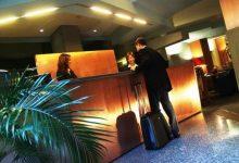 Photo of Torino, l'80% degli hotel rimane chiuso: niente turisti e troppe spese, si rimanda a settembre