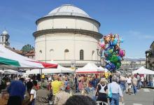Photo of Giovedì shopping al chiaro di luna in Borgo Po.