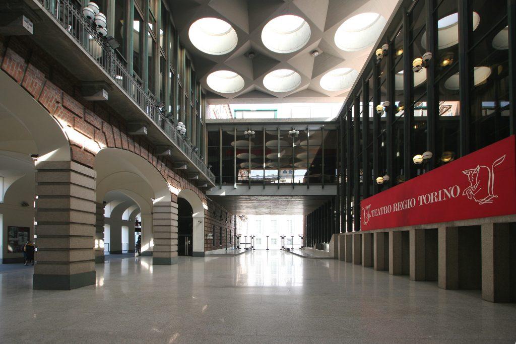 foyer teatro regio