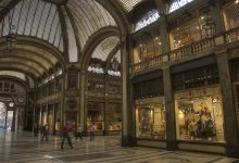 Photo of Agosto a Torino, resistono i piccoli negozi