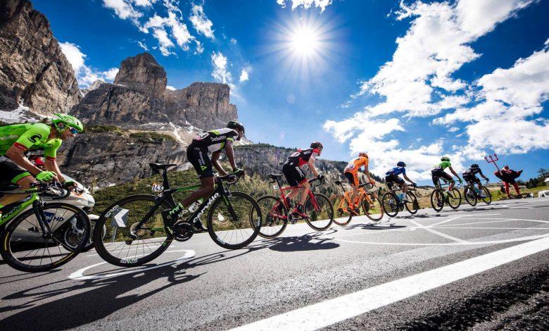 ciclisti in montagna