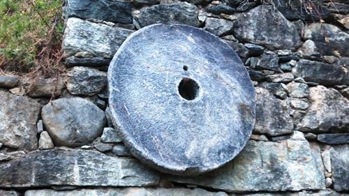 disco rotondo in pietra