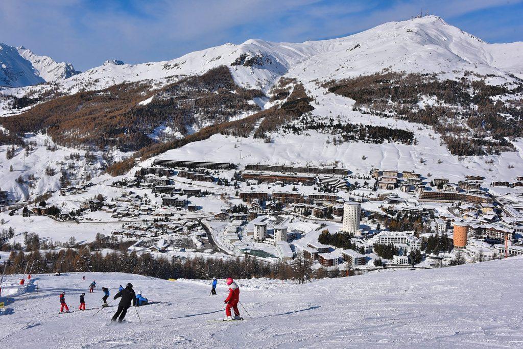 sciatori sestriere