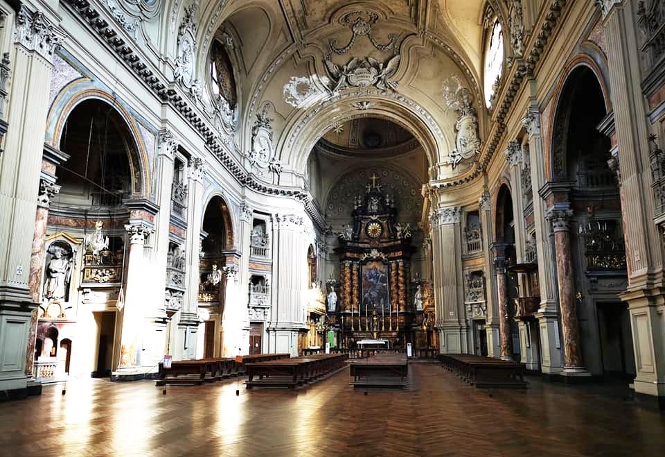 Interno chiesa di San Filippo Neri a Torino